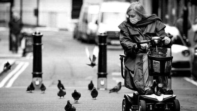מאיזה גיל מותר לנסוע על קלנועית